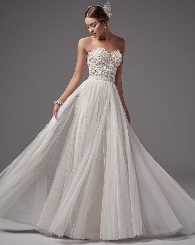 Sweetheart neckline wedding dress
