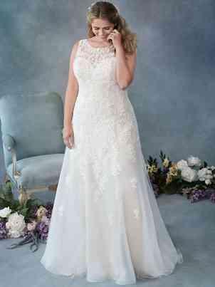 Wedding Dresses Femme by Kenneth Winston