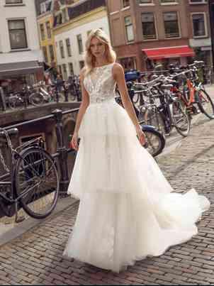 Wedding Dresses Modeca
