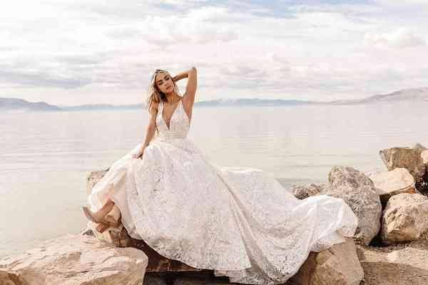 Dresses Martina Liana